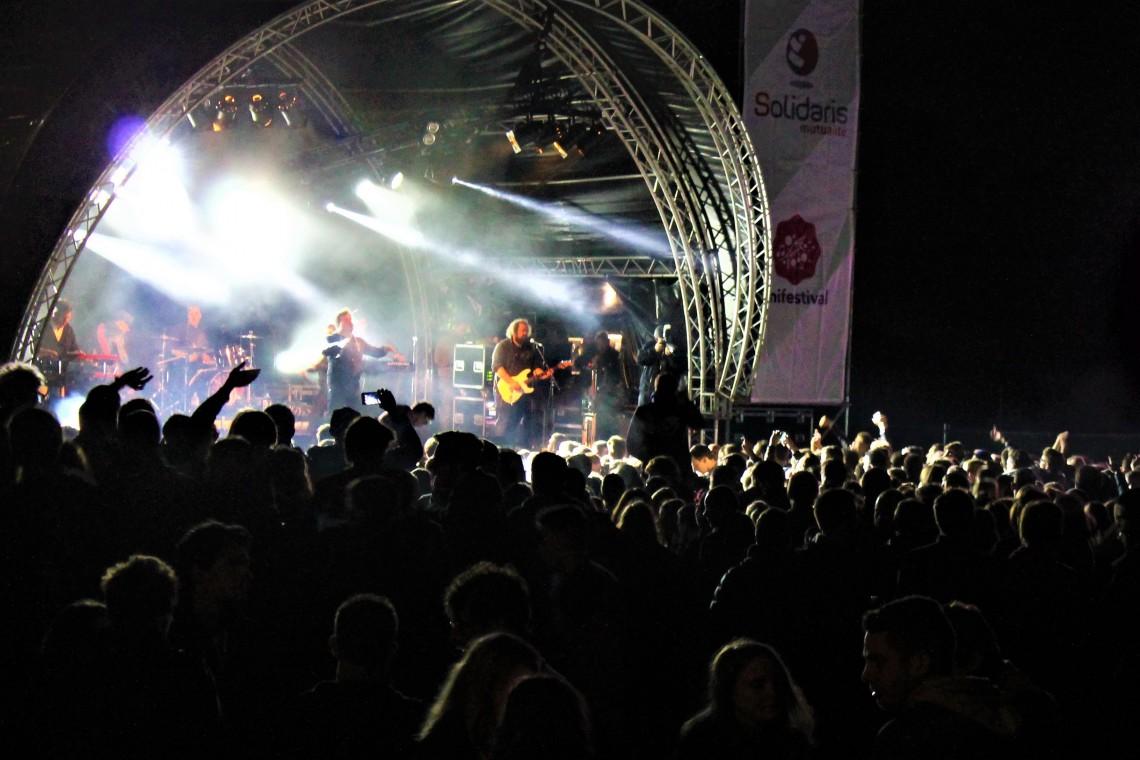 Groupe de rock belge jouant sur la scène de l'Unifestival au Sart Tilman le jeudi 5 octobre 2017 devant un public enthousiaste
