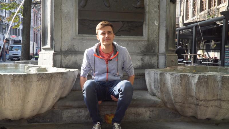 Interview avec Un Français en Belgique sur la Place du Marché de Liège